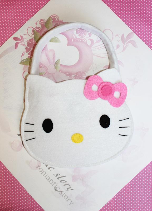 5a74c9ef9bdd Детская ручная сумочка Hello Kitty из фетра ручной работы купить в ...