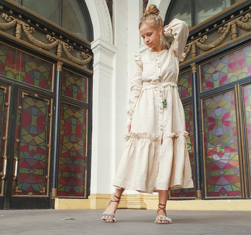 Осеннее бохо платье из 100% льна, бежевого цвета, с длинным рукавом и поясом, размер S