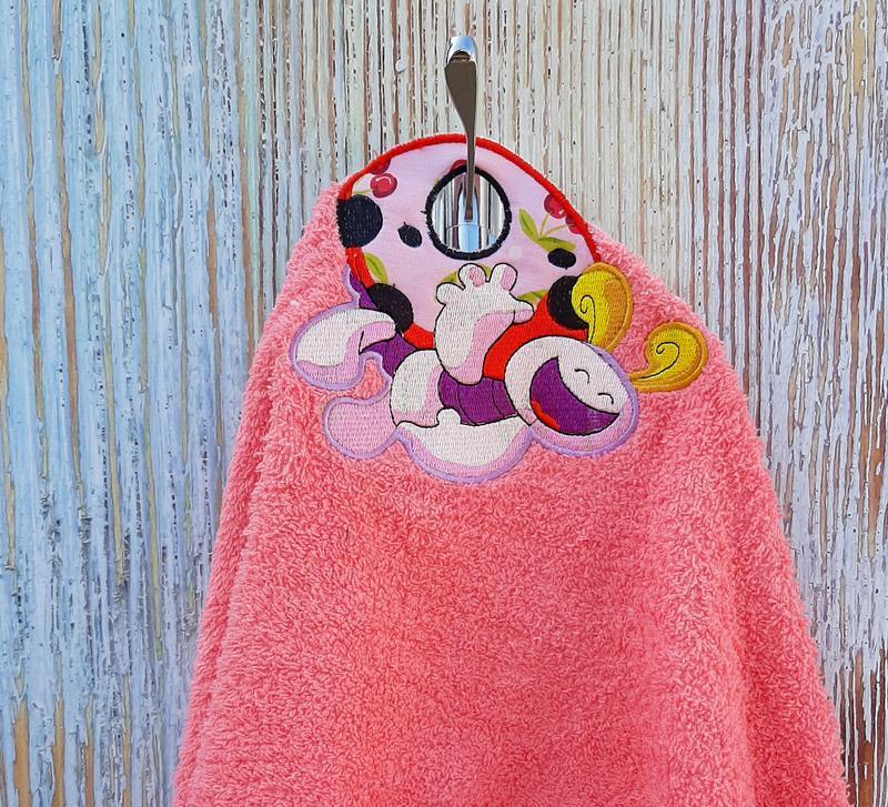 Полотенце детское с петелькой + ваше имя, большой выбор дизайнов