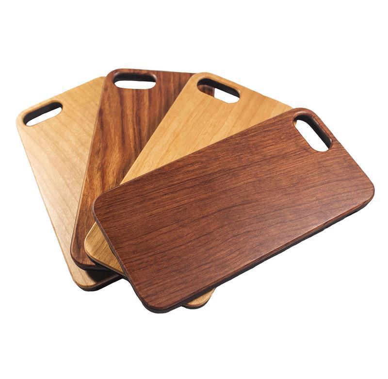 Деревянный чехол для IPhone 8+ с гравировкой