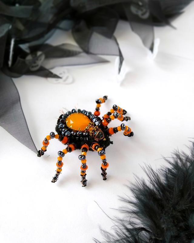 Брошь паук для Хеллоуина