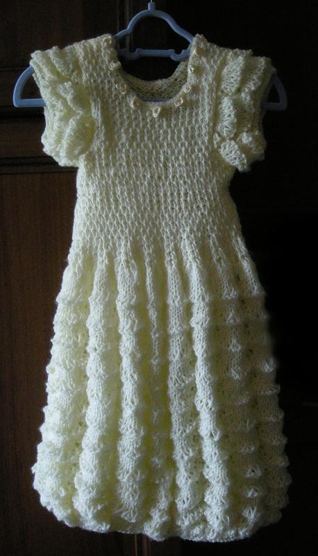 В'язане плаття для маленької дівчинки
