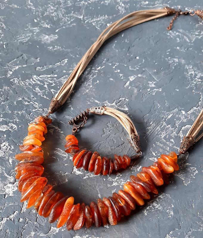Комплект з натурального необробленого бурштину намисто і браслет бусы из янтаря и браслет