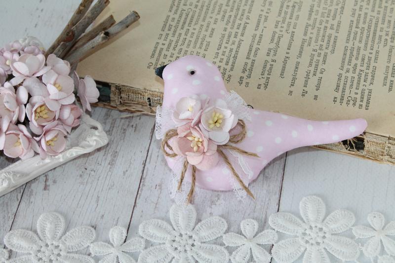 Текстильная розовая птичка