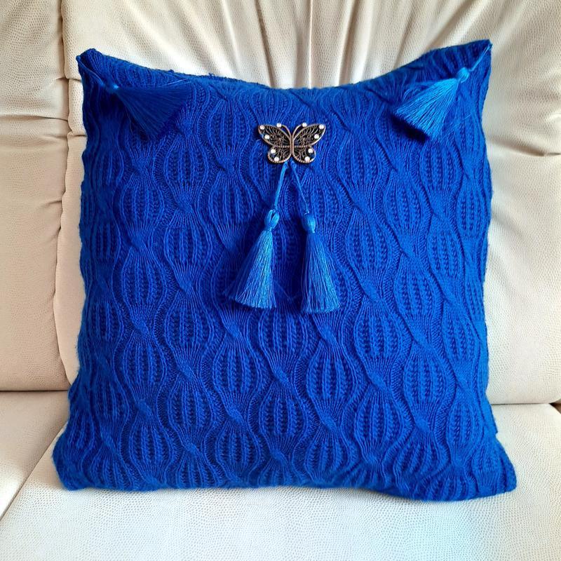 Шикарная декоративная подушка с бабочкой