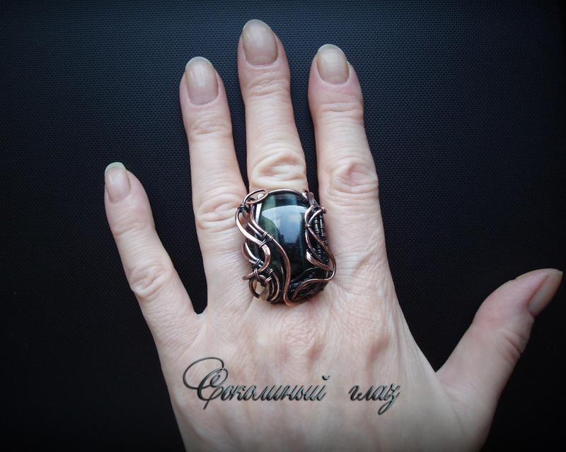 Кольцо с соколиным глазом