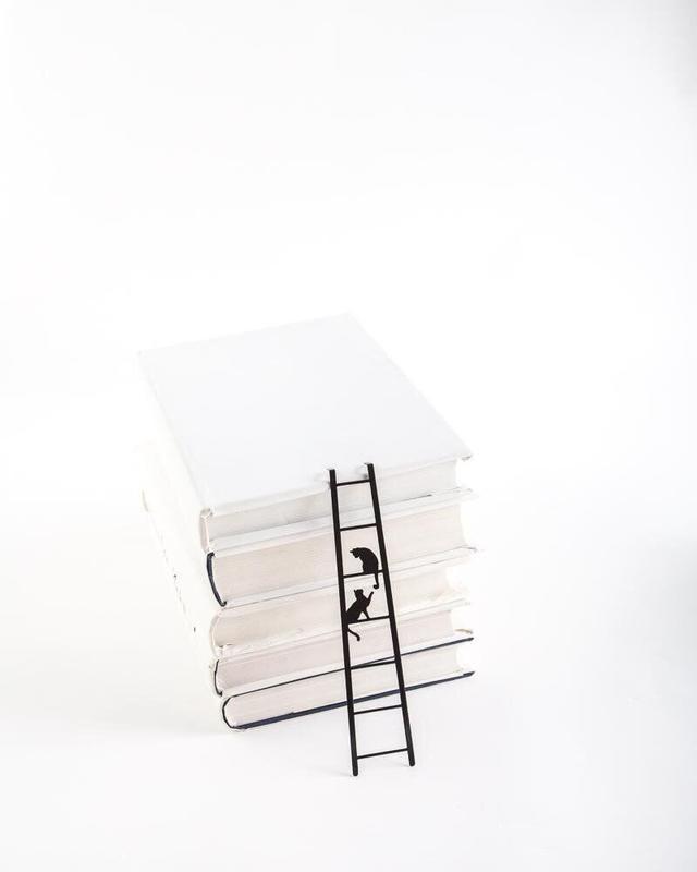 Закладка для книг «Кошки на лестнице»