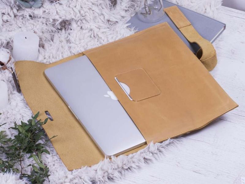 "Кожаный чехол для MacBook Pro / Air 13"" желтый"