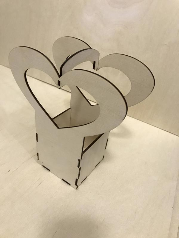 Коробка с сердечком ( Декорация из дерева )