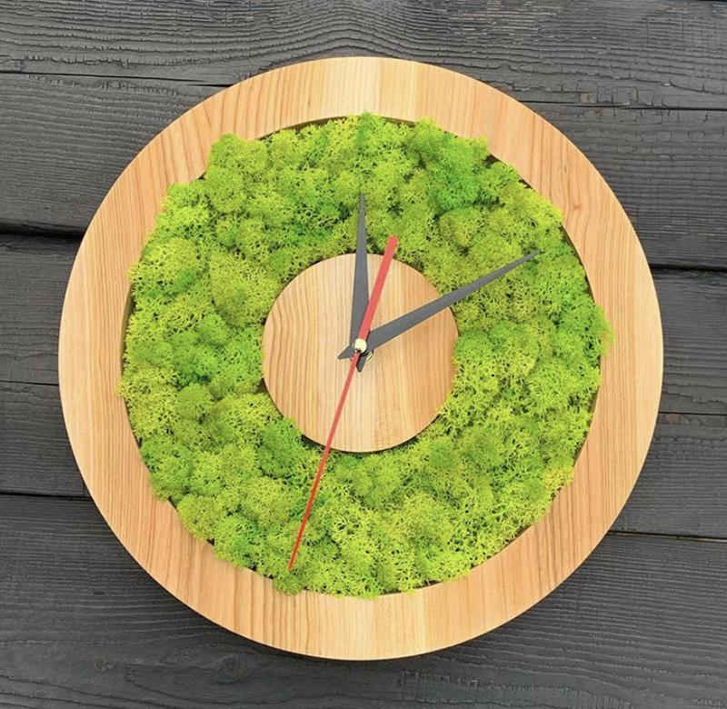 Настенные Часы из дерева и стабилизированного моха