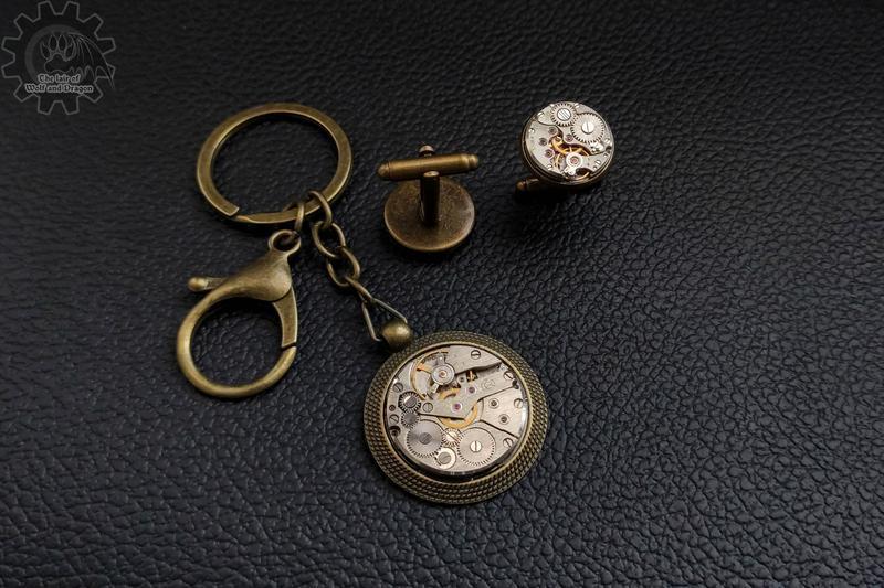 Брелок с настоящим механизмом от часов в строгом стиле (в наличии 1 шт.)