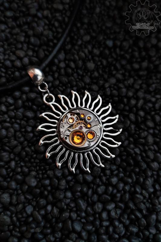 Соулус - кулон солнце с настоящим часовым механизмом (в наличии 1 шт.)