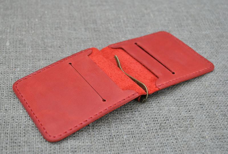Зажим для денег красного цвета из натуральной кожи Z02-580