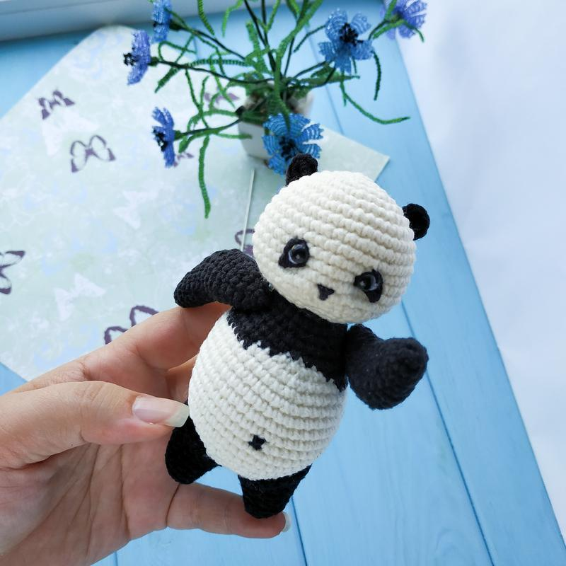 Панда. Вязаная игрушка. Амигуруми