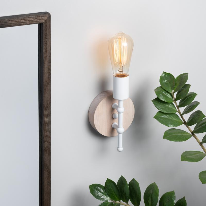 Бра белый настенный светильник Planet 1 в стиле лофт, металл и ясень