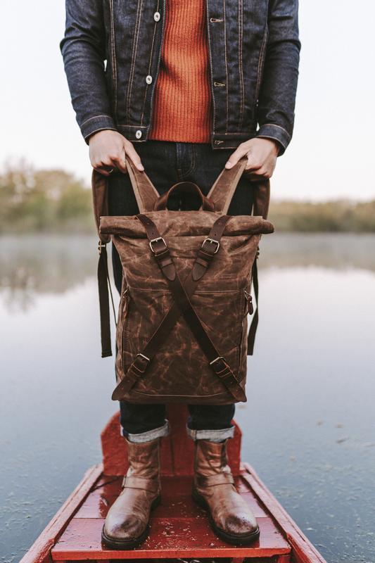 Стильный городской роллтоп рюкзак с отделением для ноутбука. Унисекс. Кожа. Канвас