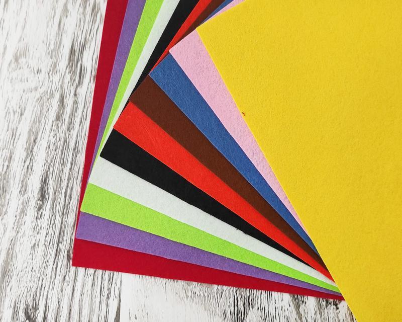 Набір фетру з 10 кольорів. Жорсткий 1 мм