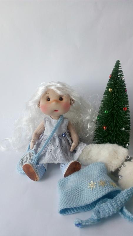 Текстильная кукла Зима.
