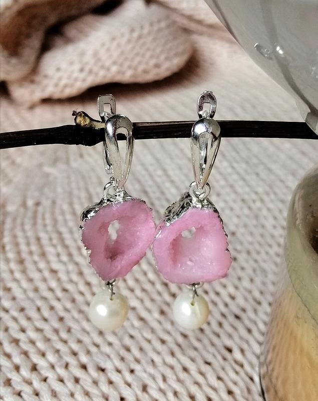 Ніжні сережки з перлинами