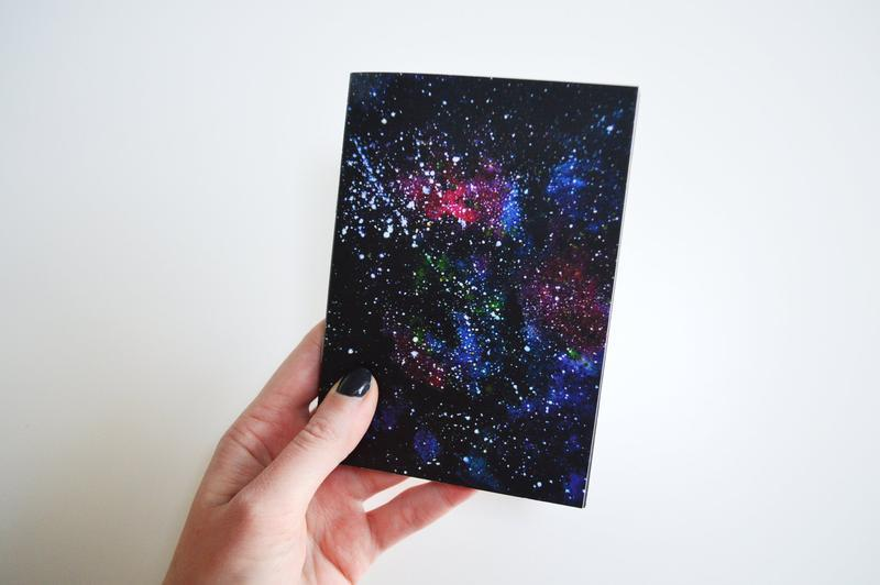 Блокнот с черными страницами и белая ручка. Авторская иллюстрация Вселенная. Формат А5 и А6