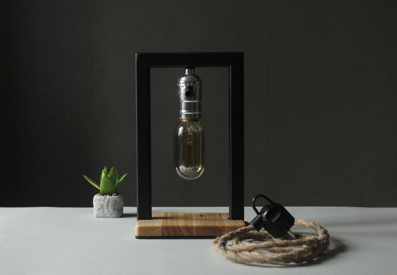 Настольная Лампа в Стиле Лофт, Настольная Лампа из Металла и Дерева, Прикроватная лампа