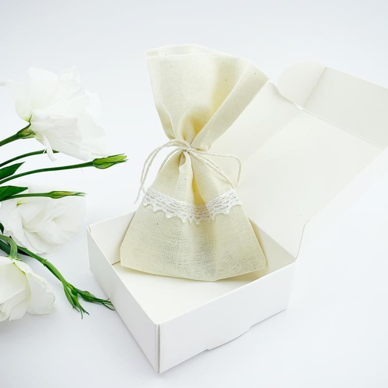 Серьги капли с цветами голубых незабудок на фоне белой эмали Подарок (модель № 2696) Glassy Flowers
