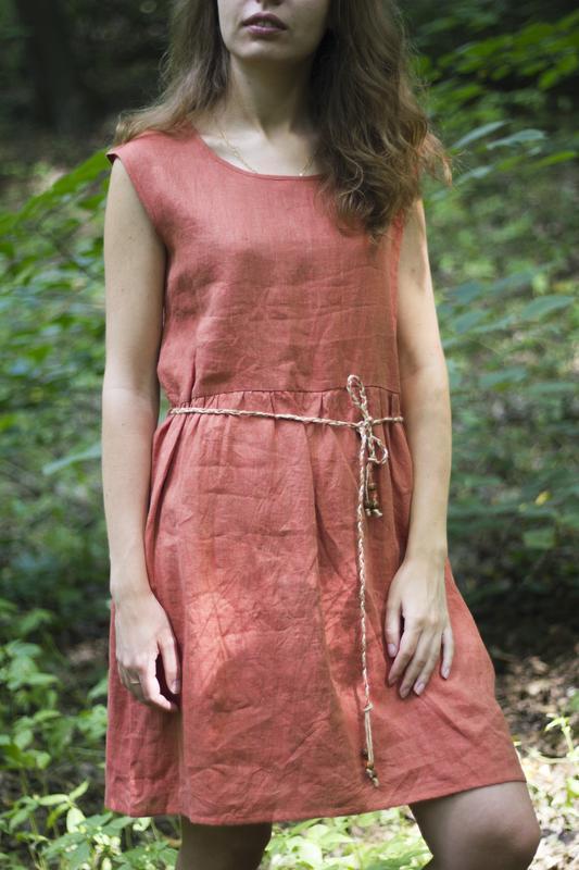 Льняное платье Коралл
