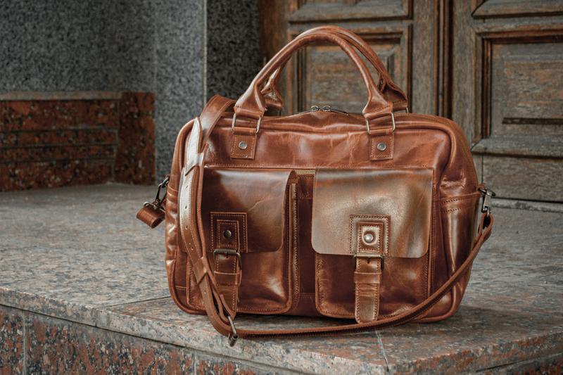 Мужской кожаный саквояж. Универсальная кожаная сумка