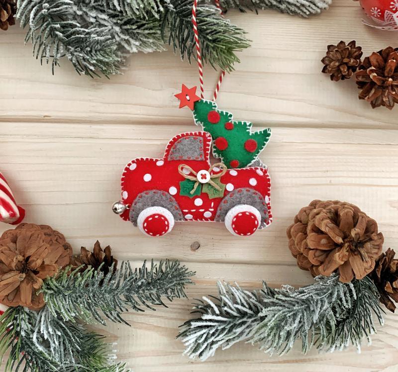 Машина с ёлкой! Новогоднее украшение пикап с ёлочкой!