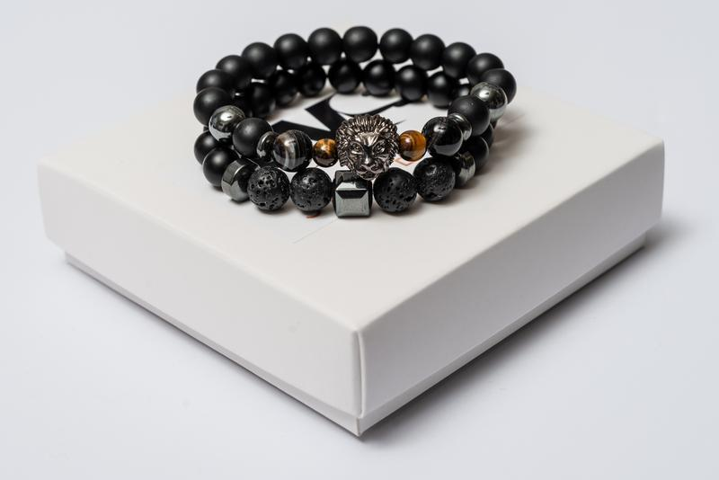 Парные браслеты мужские DMS Jewelry из шунгита, лавового камня, агата со львом FEARLESS LION