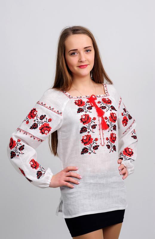 Женская украинская вышиванка с розами. Красно-черная вышивка 44 ... ee99f8e54c820