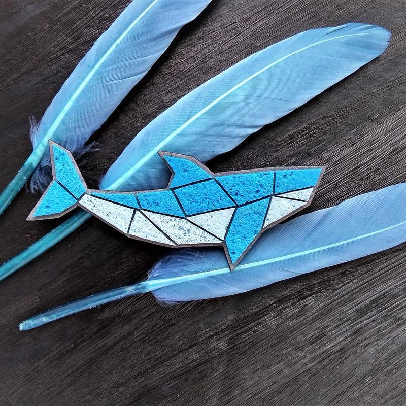 Морская брошь геометрическая Рыбка. Брошь Кит. Авторская брошь Рыбка Акула. Морская синяя брошь