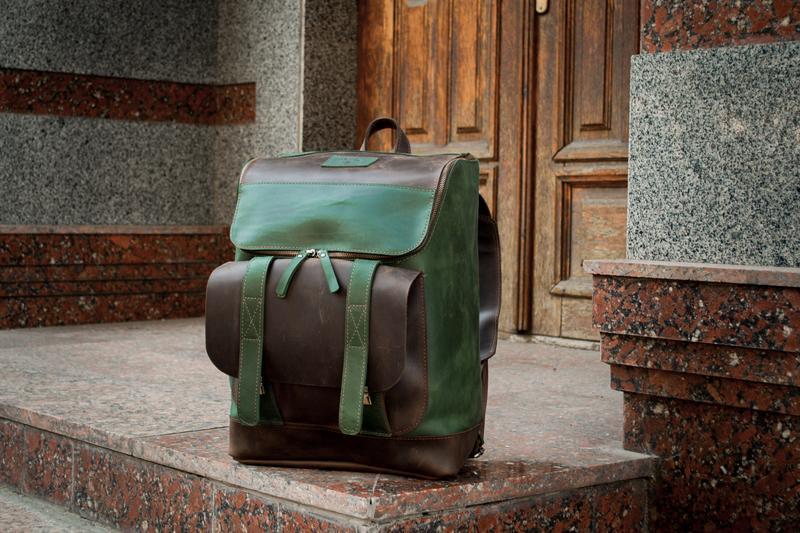 Универсальный кожаный рюкзак. Городской рюкзак