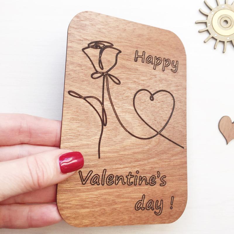 Оригинальная открытка Валентинка из дерева