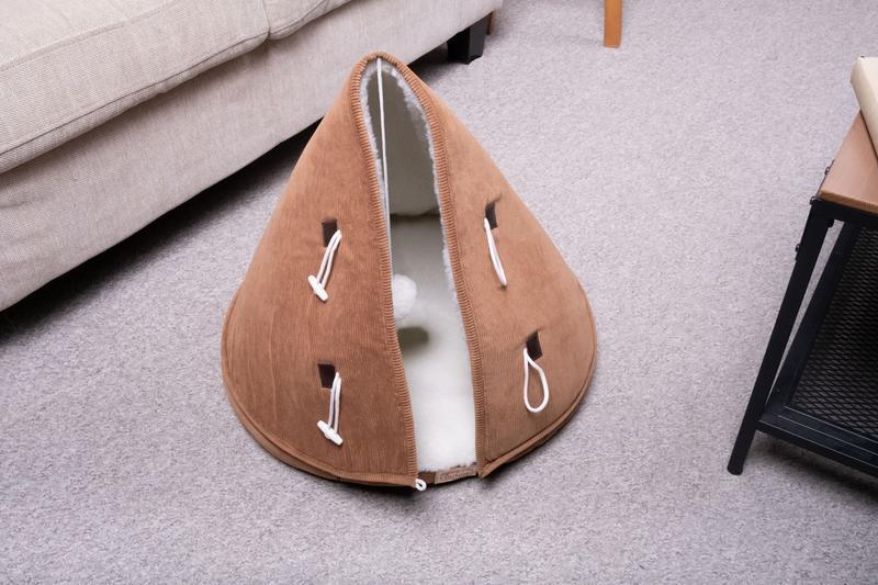 Лежак для котів Pets Lounge Yurt Velvet, коричневий