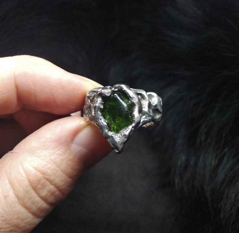 Кольцо  Сlaw, хромдиопсид, сплав олова, меди, серебра