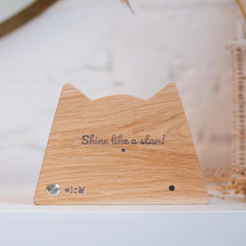 Дизайнерский деревянный ночник / светильник Ory Котик с индивидуальной гравировкой