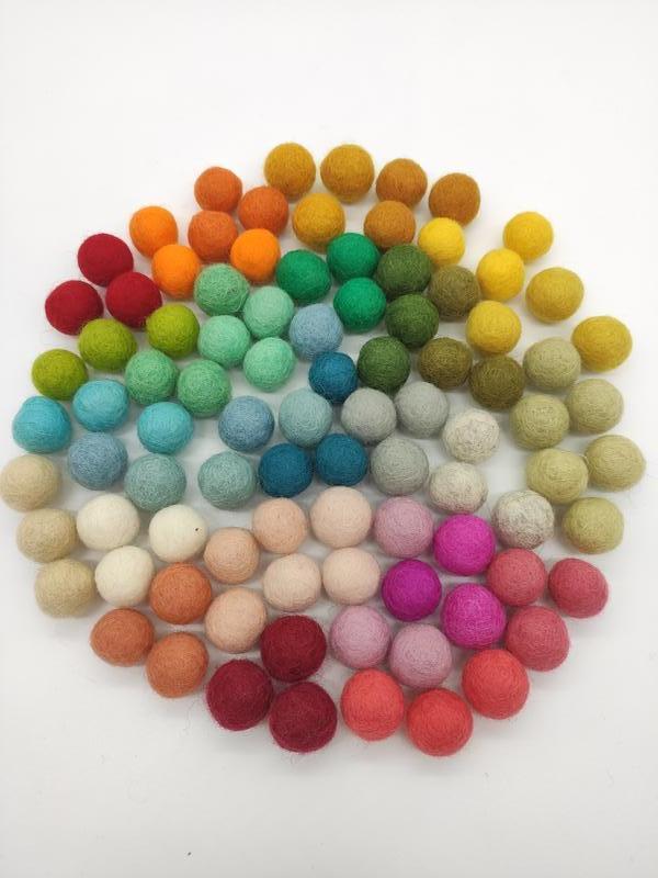 Кульки з вовни, вовняні кульки 2-2,5см, в асортименті