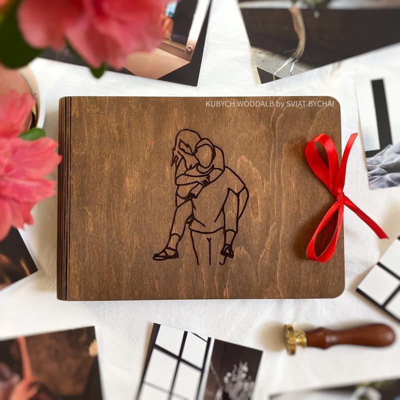 Дерев'яний фотоальбом з паперовими сторінками | подарунок на день закоханих для дівчини і хлопця