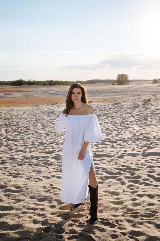 Льняное платье миди с оголенными плечами и рукавами-фонариками, длинное платье бохо из льна