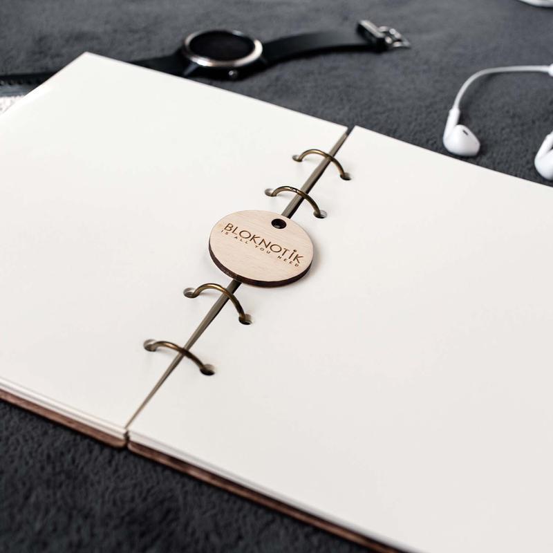 Блокнот с гравировкой для записи прогресса в тренировках. Красивый блокнот подарок для девушки.
