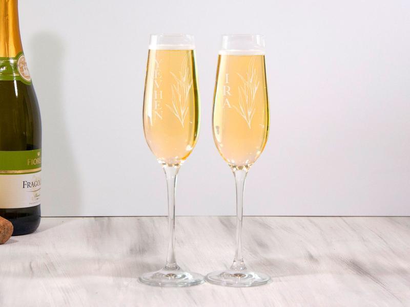 Именные свадебные бокалы для шампанского с гравировкой на заказ