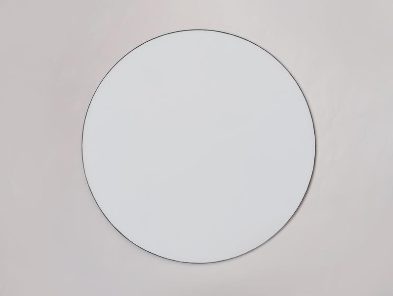 Круглое зеркало. Круглое настенное зеркало. Зеркало в форме круга. Декор спальни. Домашнего декора.