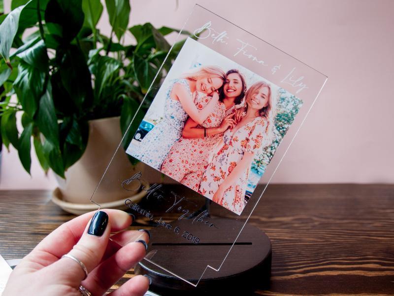 Фото светильник с фотографией на акриле, уникальный подарок подруге или другу