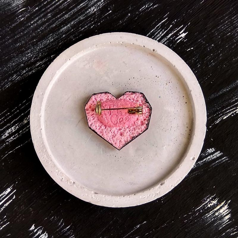 Полигональная брошь Сердце для любимой. Авторская брошь Сердечко. Геометрическая интересная брошь