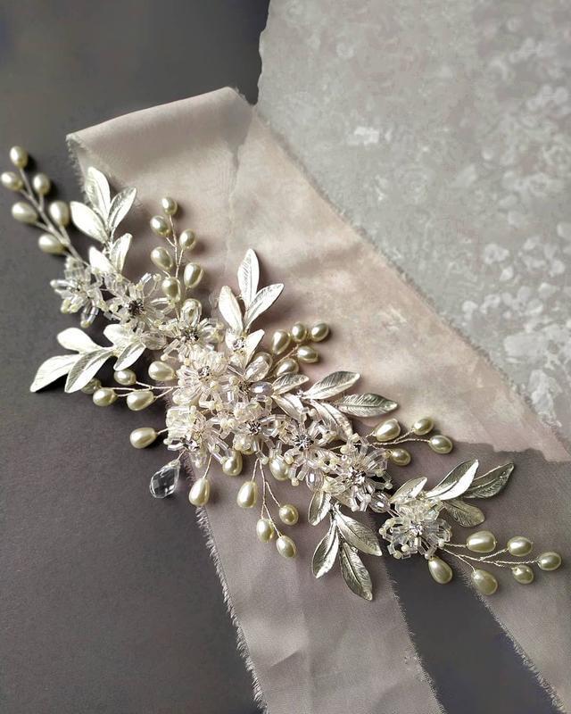 Веточка для волос. Украшение для невесты. Свадебные украшения для волос