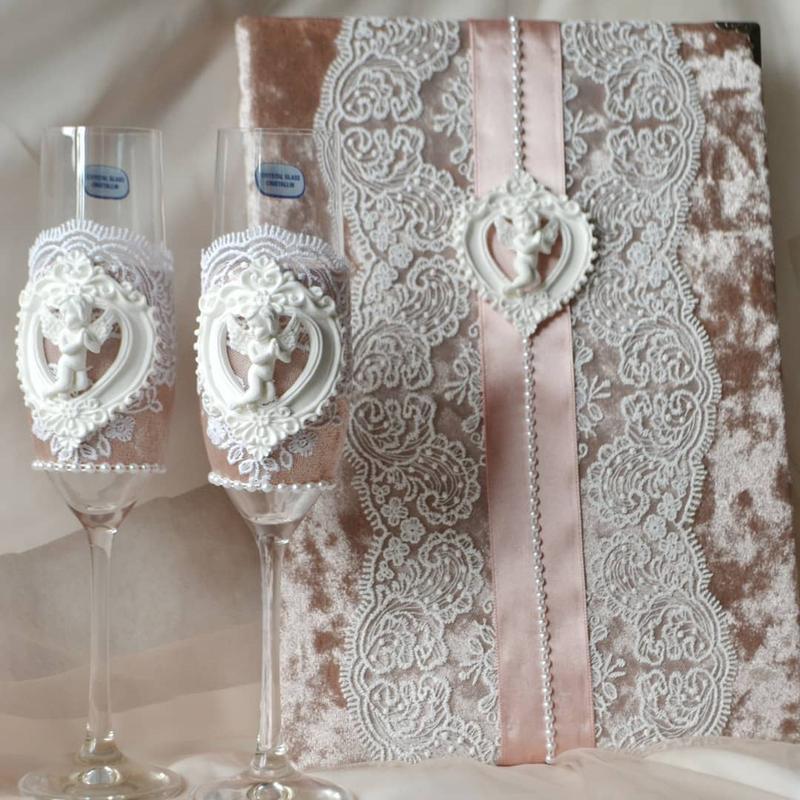 Набор свадебных аксессуаров, свечи семейный очаг, подушечка для колец, казна, бокалы, подвязка