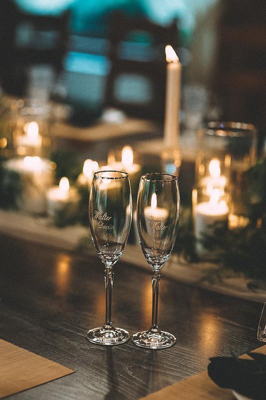 Свадебные бокалы с гравировкой. Бокалы под шампанское с гравировкой.