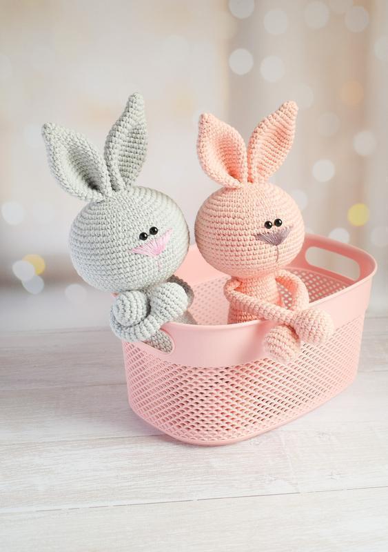 Вязаные игрушки зайчики для малышей. Мягкие игрушки для сна и игры. Подарок малышу.