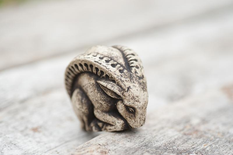 Керамическая статуэтка Козерожек